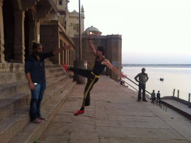 Tiger Shroff  Visits Shiv Ki Nagri For Film Heropanti Promotion