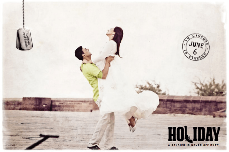 Akshay And Sonakshi Strikes A Romantic Pose In Aaj Dil Shayrana Song From Holiday Movie