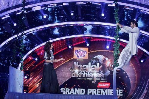 Varun And Alia Promote Humpty Sharma Ki Dulhania On Jhalak Dikhhla Jaa 7 Grand Premiere
