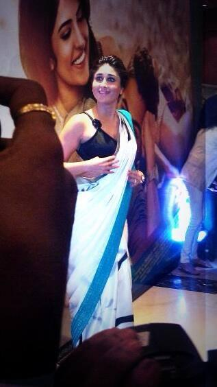 Kareena Kapoor Khan In Saree Sexy Look At Lekar Hum Deewana Dil Movie Music Launch Event