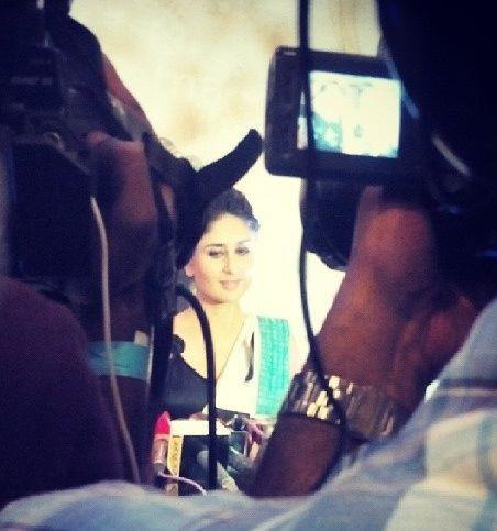Kareena Kapoor Khan Stunning Look For Camera At Lekar Hum Deewana Dil Movie Music Launch Event