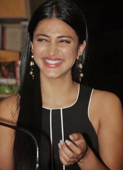 Shruti Haasan Cool Laughing Look During The Book Launch Of Age Erase By Dr. Rashmi Shetty