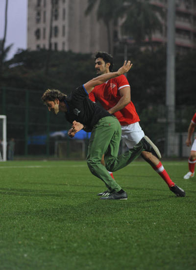 Hrithik Roshan And Kunal Kapoor Struggling Pose During Ira Khan Organised Charity Football Match