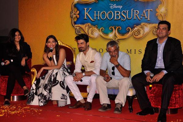 Sonam Kapoor With Team Khoobsurat At The Trailer Launch