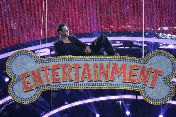 Akshay Kumar Stunning Entry On The Sets Of Jhalak Dikhhla Jaa 7