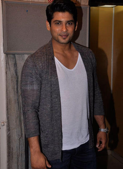 Siddharth Shukla Arrives To Launch Star Week Cover August Issue