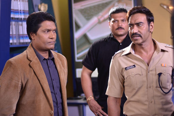 Ajay Discuss With Daya And Abhijeet About DCP Chitrole Topic