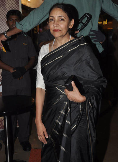 Deepti Naval Looked Pretty In A Black Silk Saree During Premiere Of The Hundred Foot Journey