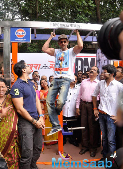 Hrithik Roshan Workout Pose And Dino Morea Looks On At Dino Morea 10th Fitness Station Launch