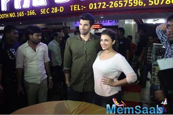 Parineeti And Aditya Strikes A Pose After Dinner At Pal Dhaba