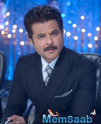 Anil Kapoor Dappers Look In Black Suit During JDJ 7 Grand Finale