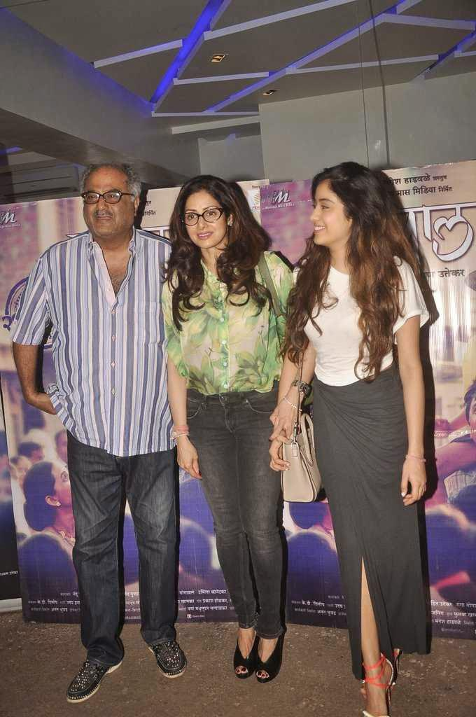 Boney With Wife Sridevi And Daughter Jhanvi Attend Tapaal Movie Screening