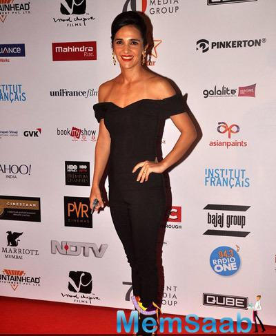 Tara Sharma In Black Strapless Dress Hot Look On Red Carpet At The Opening Ceremony Of 16th Mumbai Film Festival 2014
