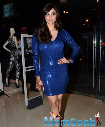 Daisy Shah Strike A Pose For Shutterbugs At The Launch Of Bebe Store