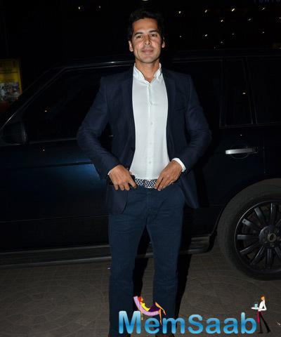 Dino Morea Dazzling Look At Bhopal A Prayer For Rain Premiere