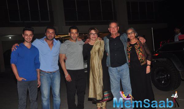 Ayush,Sohail,Salman,Helen,Salim And Salma Clicked During Salma Khan Birthday Bash