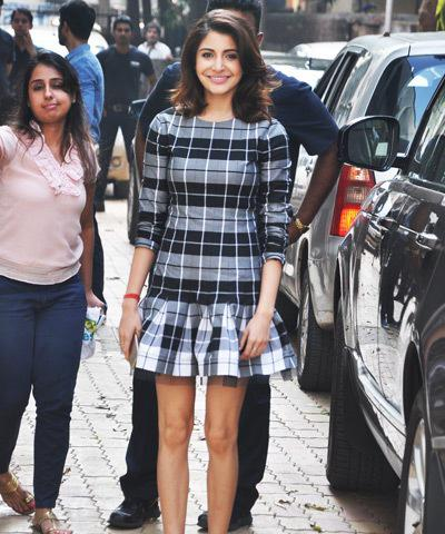 Anushka At The Reliance Digital Store For PK Official Mobile Game Launch