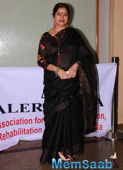 Rekha Bharadwaj In Black Saree Trendy Look During Kavita Seth Fund Raiser Concert For Alert India
