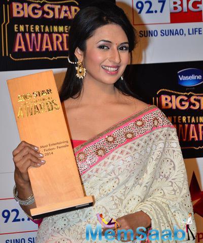 Divyanka Tripathi Won Big Star Entertainment Awards 2014