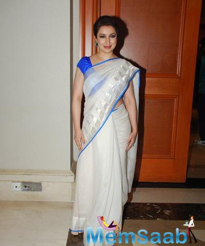Tisca Chopra In Saree Cool Look At The Clinic Plus Charity Event