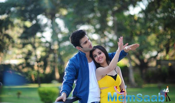 Sidhant Kapur And Suzanna Mukherjee Dancing Pose Still From Badmashiyan Movie