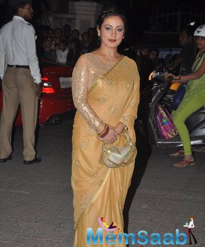 Divya Dutta Posed In Saree At 60th Britannia Filmfare Awards 2015