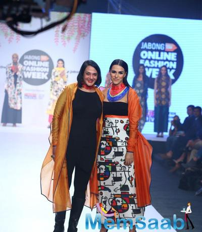 Neha Dhupia Flaunting Poonam Bhagat Dress And The Designer Also Accompanied Her On The Ramp