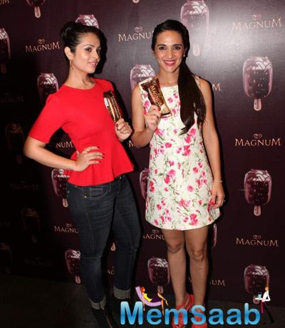 Anjana Sukhani And Tara Sharma Posed With Ice cream During The Launch Of Magnum Ice cream