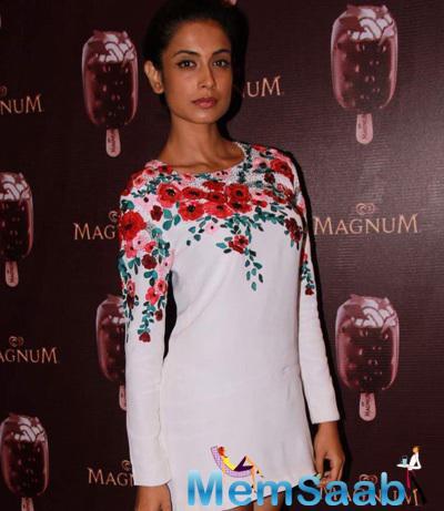 Sarah Jane Dias Dazzled In White Dress During The Launch Of Magnum Ice cream