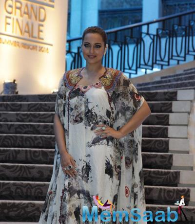 Sonakshi Sinha Graced The Final Show Of LFW 2015