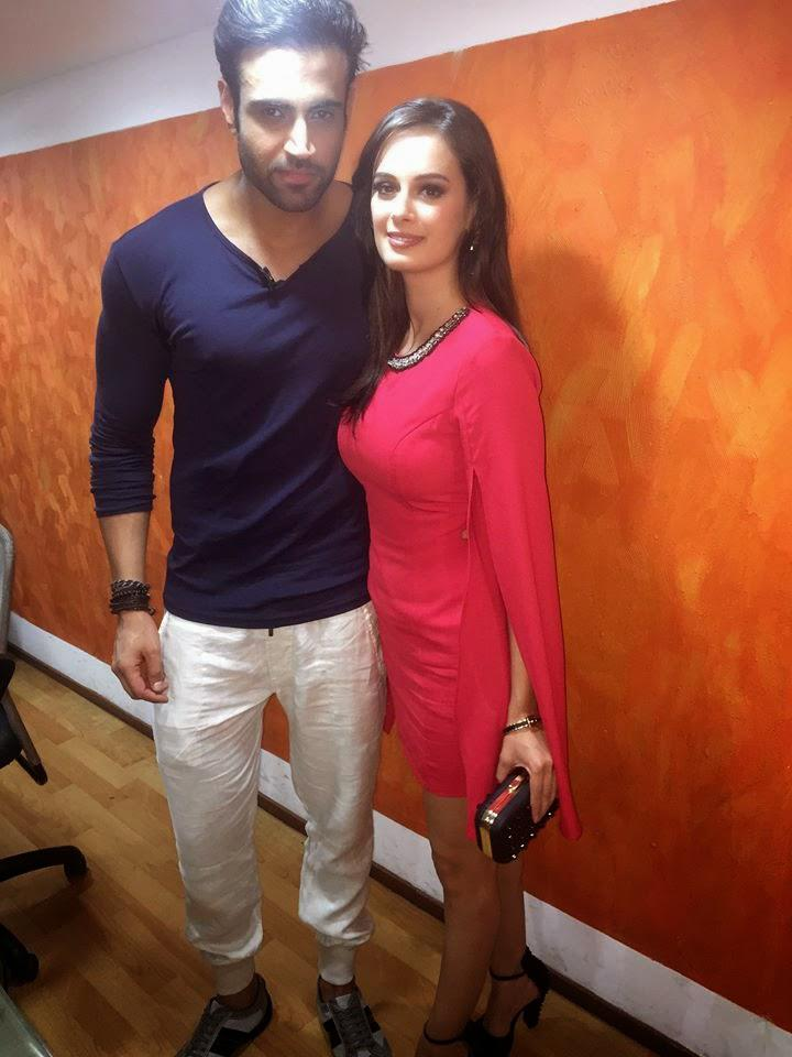 Evelyn And Navdeep During The Promotional Event For Kuch Kuch Locha Hai