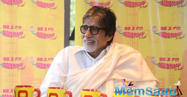 Amitabh Bachchan Cool Look During The Promotion Of Piku At 98.3 FM
