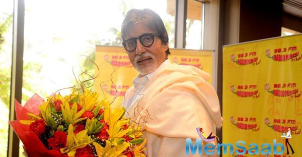 Amitabh Bachchan Visited 98.3 FM Radio Mirchi Studio To Promote His Film Piku