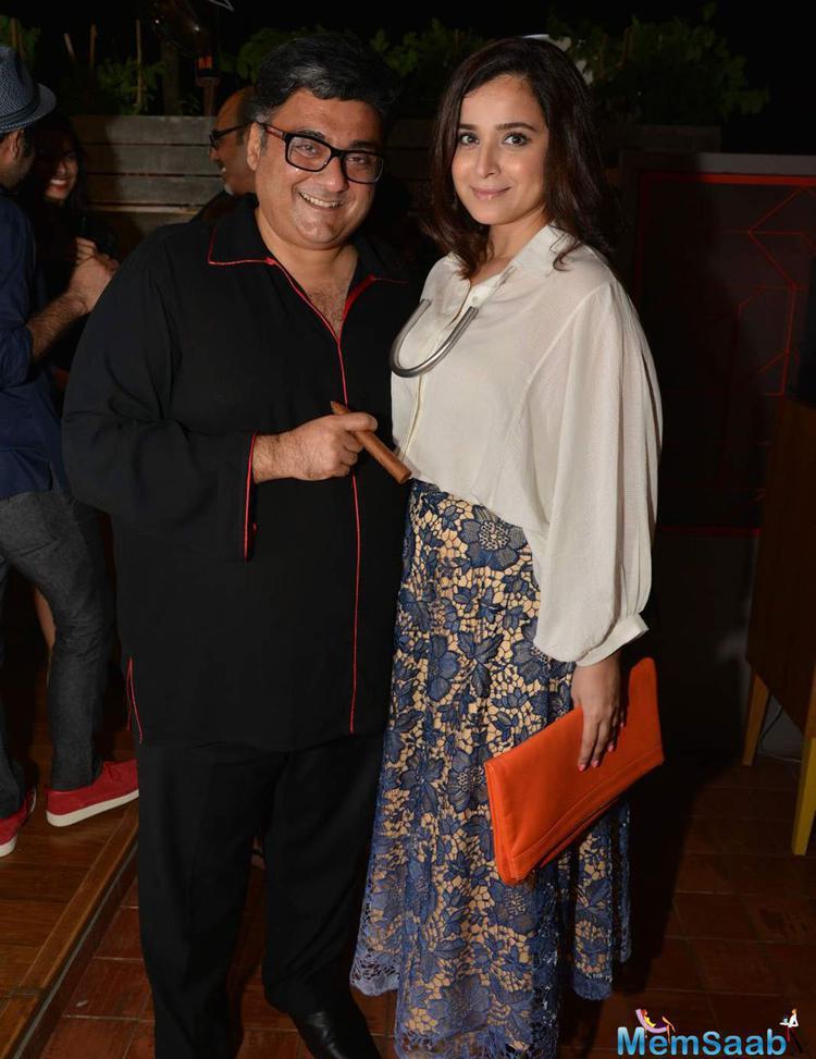 Farhad Samar Posed With Wife Simone Singh Attend The Fatty Bow Restaurant Launch