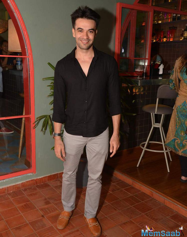 Punit Malhotra Flashes Smile At The Launch Of Fatty Bow Restaurant