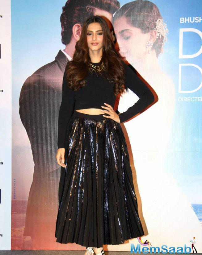Fashion Queen Sonam Kapoor Launch Of Dheere Dheere Music In Mumbai