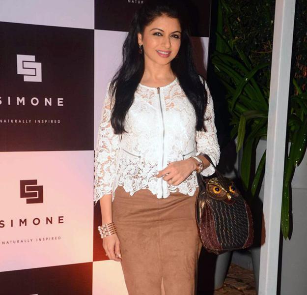 Beautiful Bhagyashree Patwardhan Smiling Pose At Simone Khan Arora Store Anniversary