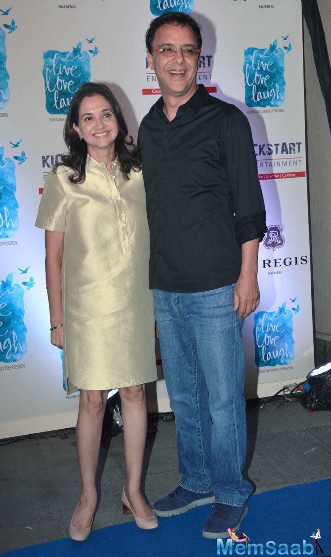 Vidhu Vinod Chopra Posed With Wife Anupama Chopra At The Launch Of Deepika Padukone NGO Live Love Laugh