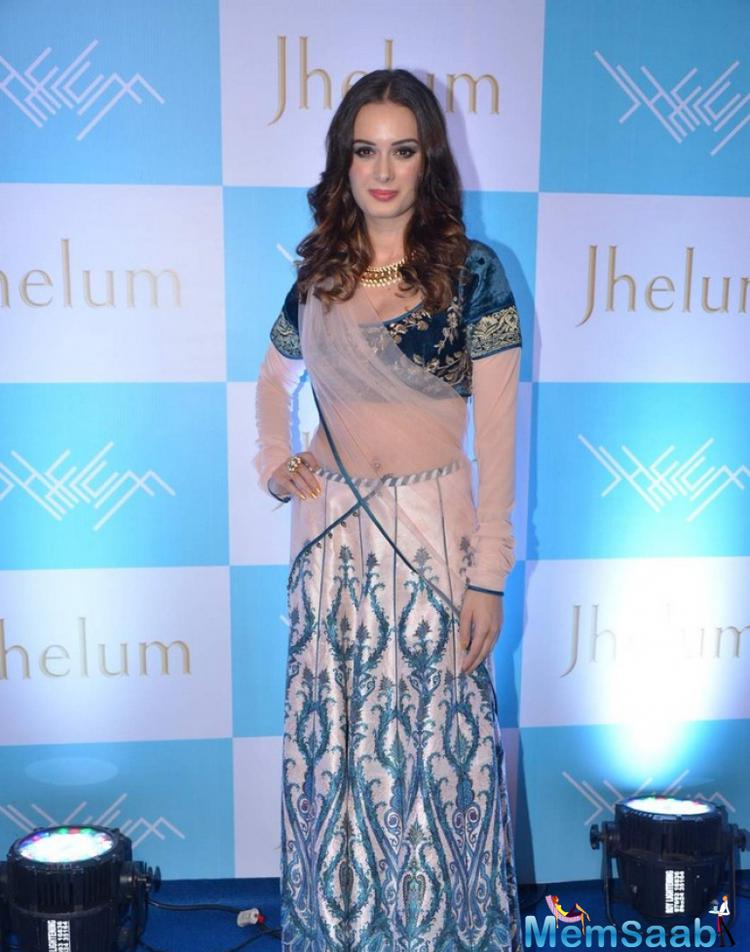 Evelyn Sharma Beautiful Look In JJ Valaya Outfit At Jhelum Store Launch Hosted By Kaykasshan Patel