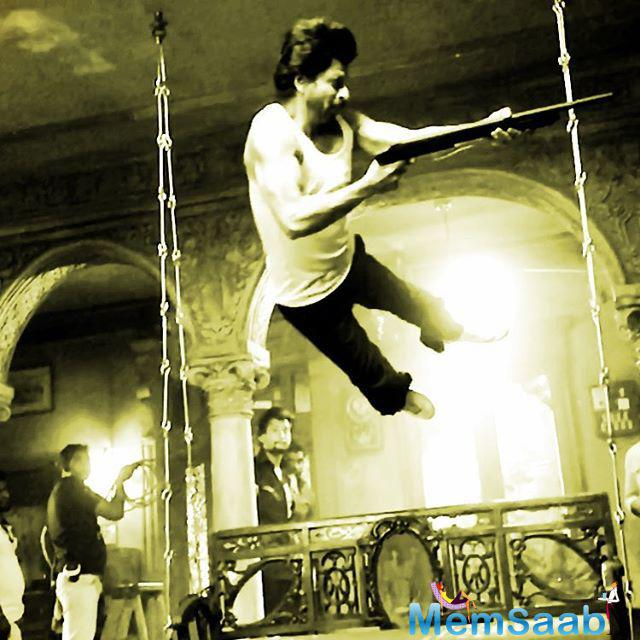 See this picture, Shahrukh Khan Incredible 'Flying' in Raees pic , SRK in an image from the sets of Raees, that he shared on Wednesday.