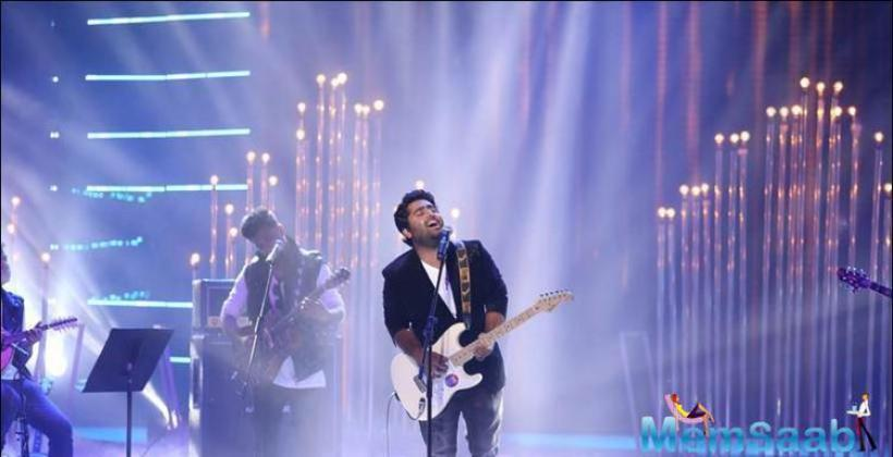 Arijit Singh, who has been garnering a great deal of attention recently for singing to the music produced by cars was also a performer.