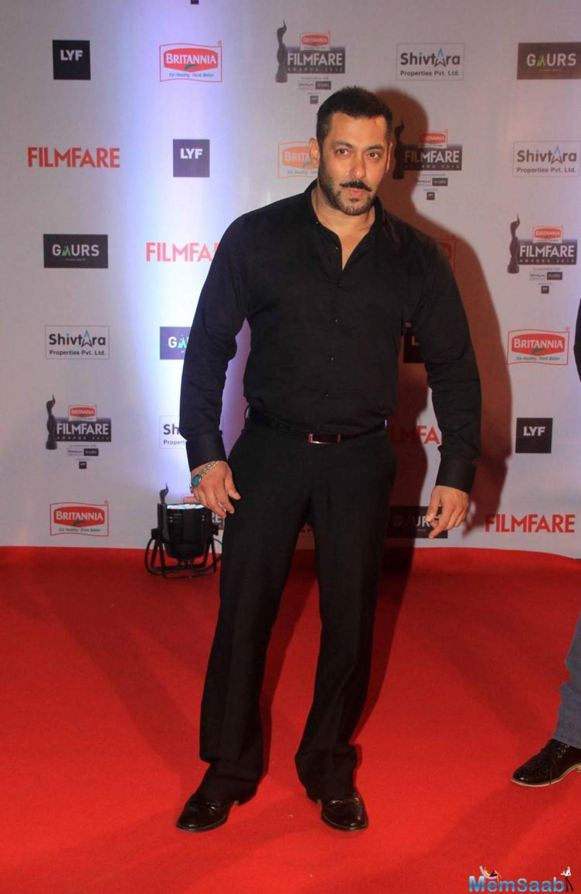 Reportedly, Salman Khan is likely to star in the remake of the Korean film Ode to My Father, which will be directed by Rajkumar Santoshi.
