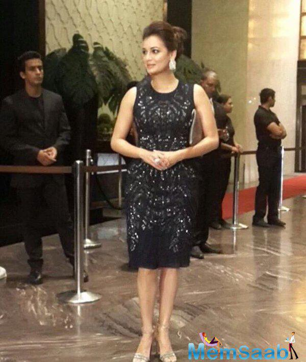 Dia Mirza looked sizzling hot in black dress at the star-studded reception