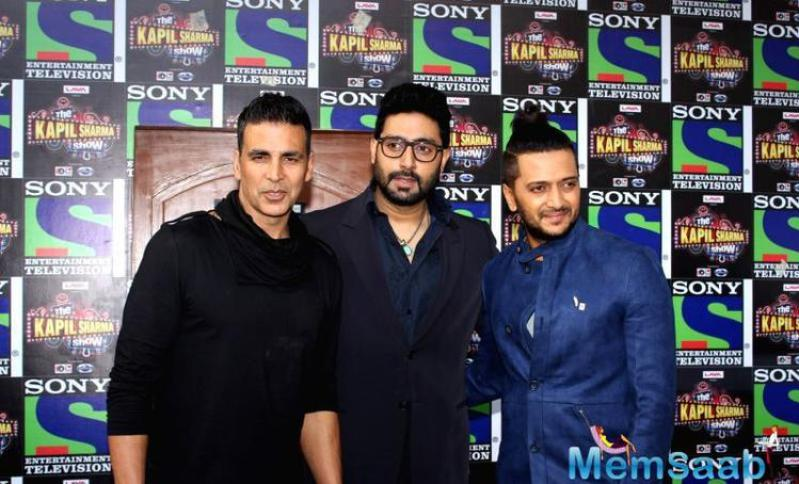 Akshay added that he owns no stake in Hollywood and is busy doing a Tamil film titled '2.0', along with superstar Rajinikanth. Directed by Shankar, the film is a sequel to the blockbuster 'Enthiran'.