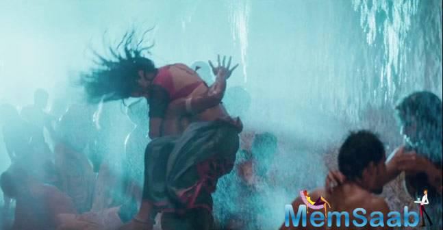 Mirzya is an epic action-romance, set in contemporary times. The teaser displays different moods ranging from love to epic battle. Add to that, the powerful music of Shankar, Ehsaan and Loy.