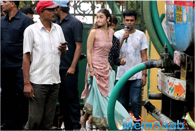 On the professional front, Alia was last seen in 'Udta Punjab' while Ranveer is back in Mumbai post wrapping up the shooting of his upcoming film Befikre in Paris.Alia on the sets, who was dressed traditionally.