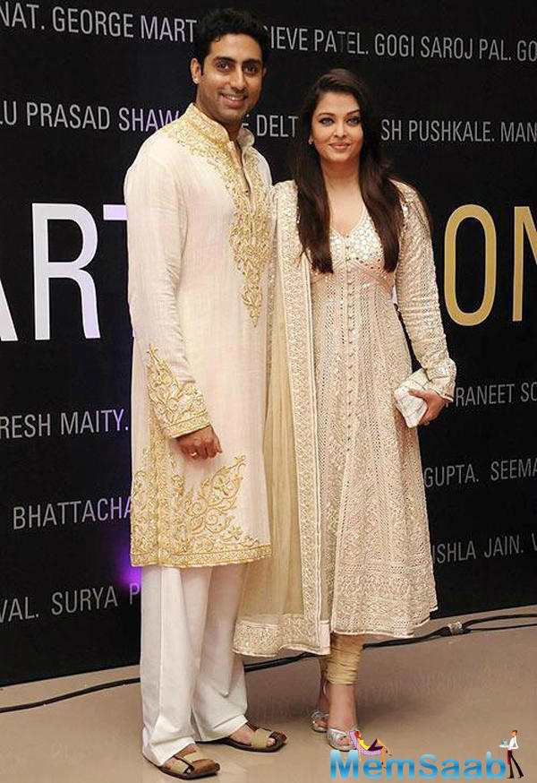 But, the latest rumour is that the two have been approached for the remake of the iconic 'Abhimaan,' which incidentally starred Amitabh and Jaya Bachchan.