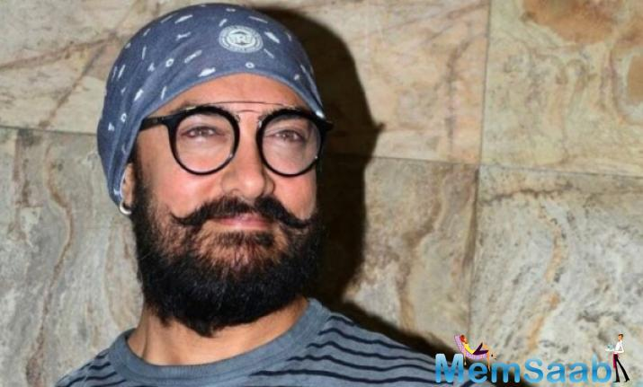 Last year, pictures of Aamir and Bachchan's looks had leaked from the film set.