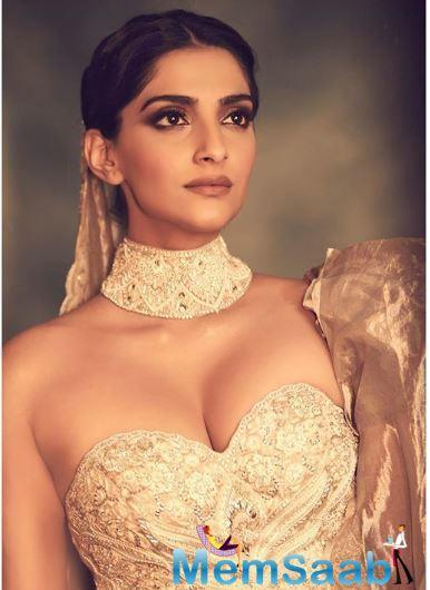The 'Neerja' actor had put on subtle makeup with hair tied into a bun. Sonam posted her look on her Instagram and wrote,