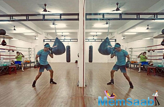 With a trail of posts across his social media, Farhan makes sure that his fans are a part of his fitness sessions.